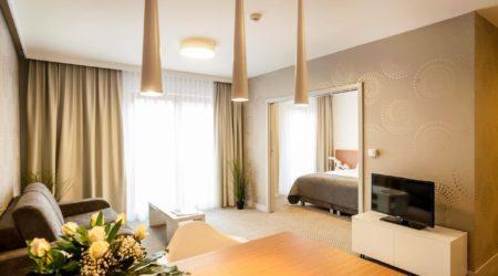 Invite hotel zdjęcie pokoju z sypialnia