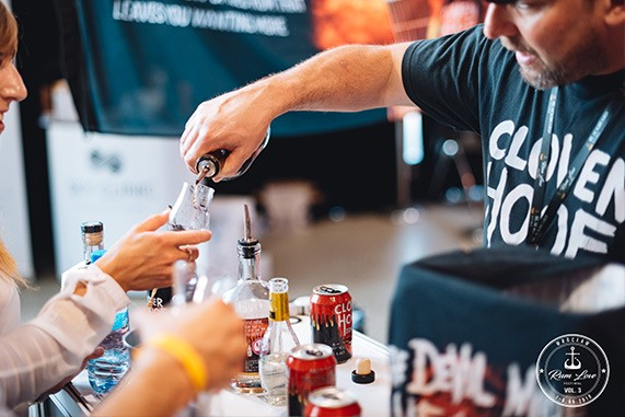 Cloven Hoof - stoisko na Rum Love Festiwal